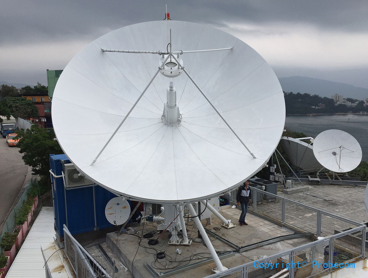 6.2m Ku band TXRX motorized High wind resistance antenna system in Hongkong